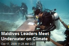 Maldives Leaders Meet Underwater on Climate